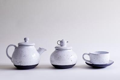 Goose Egg Tea Set (Black Porcelain)