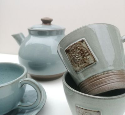 Green Collection Cups and Tea Pot